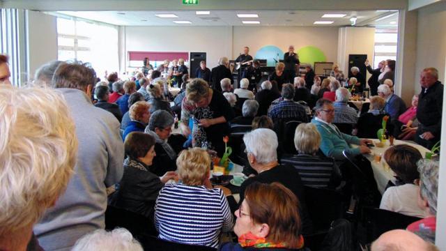 Nederlandse Cliff trekt volle zaal met band Blue Rockin' Shadows