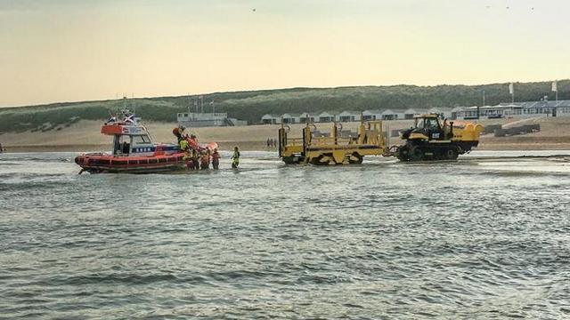 Grote reddingsactie voor kust van Katwijk