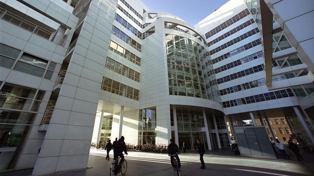 Den Haag wil subsidies terug vanwege 'teveelverdieners'