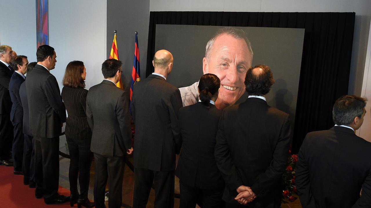 FC Barcelona opent herdenkingsplek voor overleden Cruijff