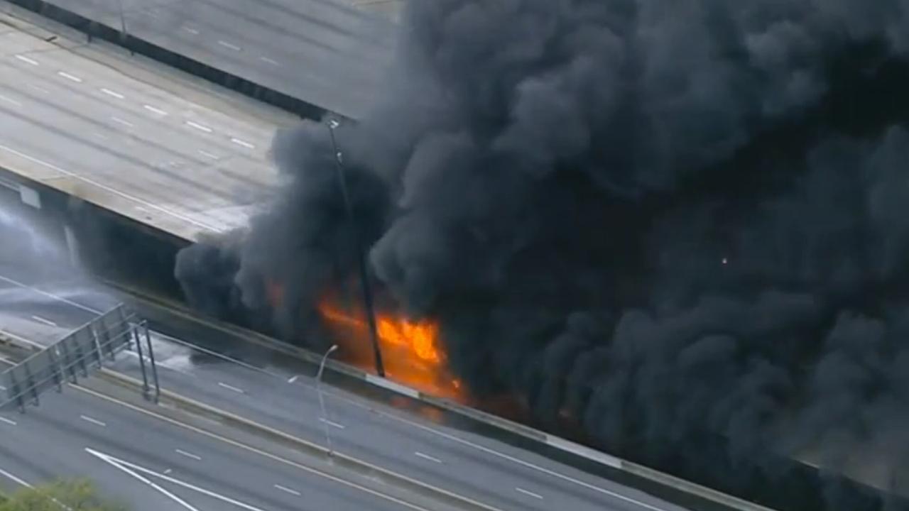 Brand verwoest deel snelweg in Atlanta