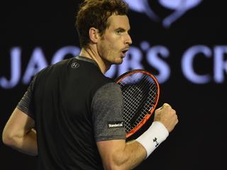 Ook Ferrer dringt door tot laatste acht in Melbourne