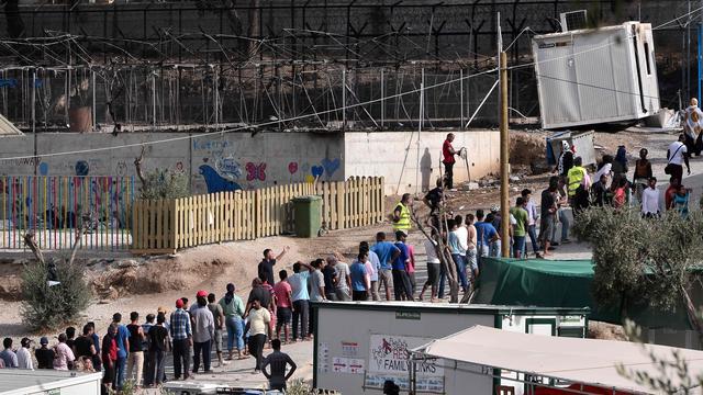 Migranten aangehouden na brand in opvangcentrum Lesbos