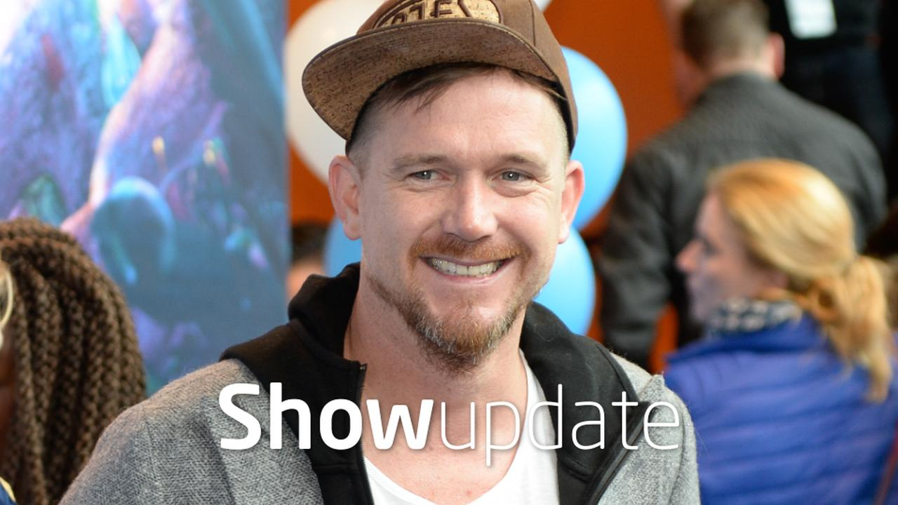 Show Update: Johnny de Mol grapt over jarige vader