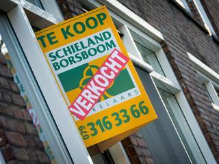 In totaal wisselden vorige maand bijna 22.000 woningen van eigenaar