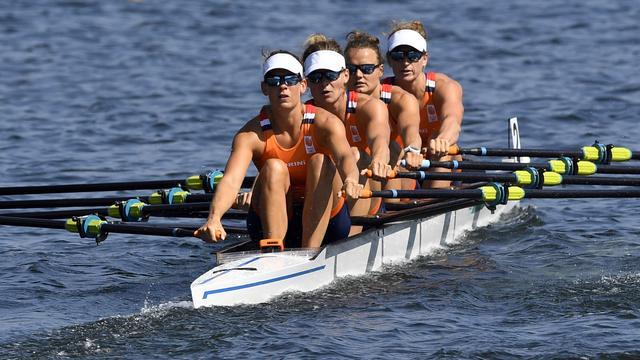 Vrouwen dubbelvier naar finale, achten naar herkansing