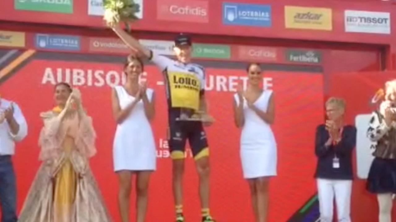 Gesink op podium na overwinning in Vuelta
