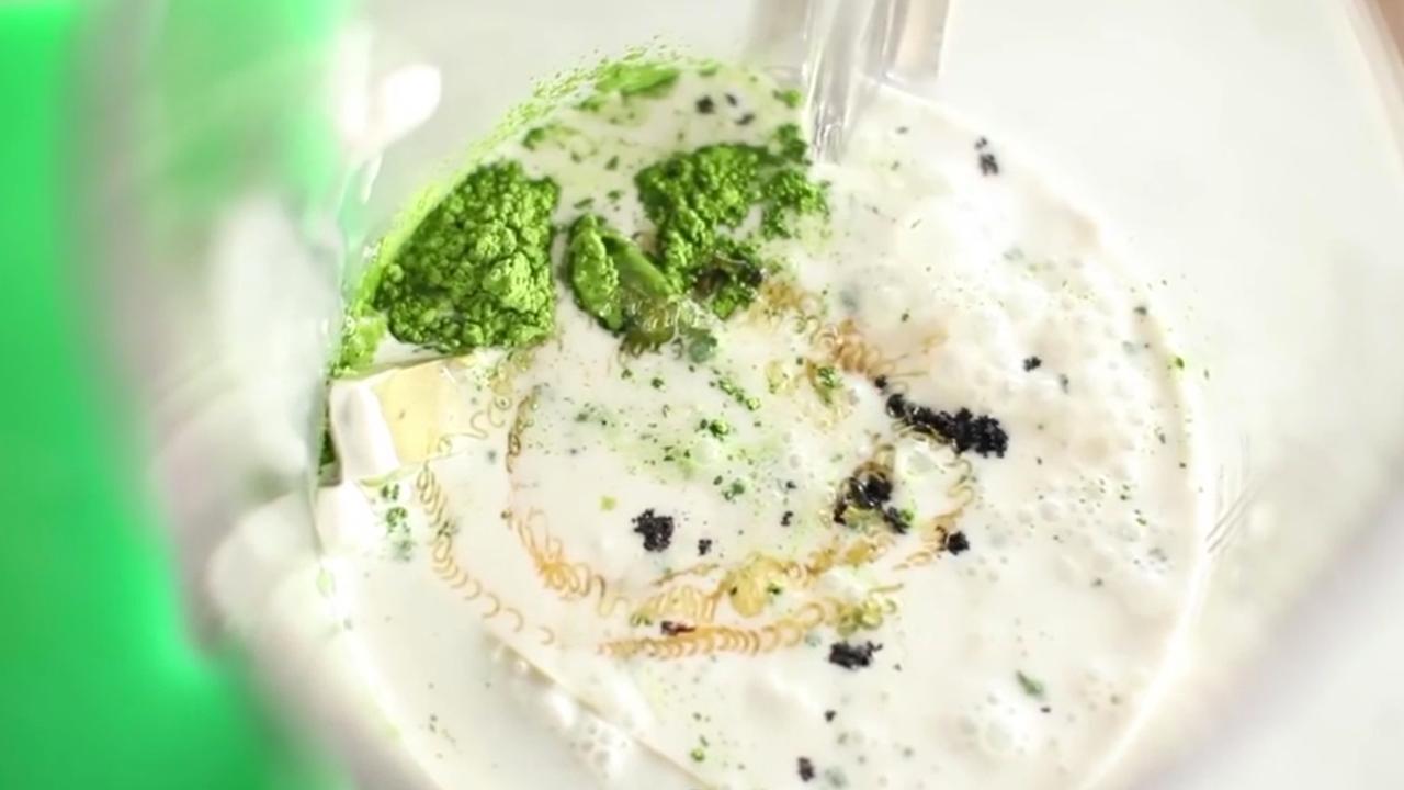 Zo maak je zelf romige avocado-ijsjes