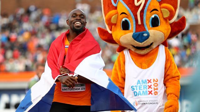 Dolblije Martina draagt Europese titel op aan Nederland en Curaçao