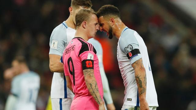 FIFA doet onderzoek naar 'poppies' Engeland en Schotland