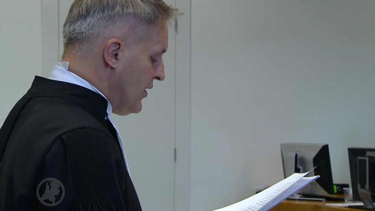 Advocaat De J. vraagt rechtbank om zaak-Everink aan te houden