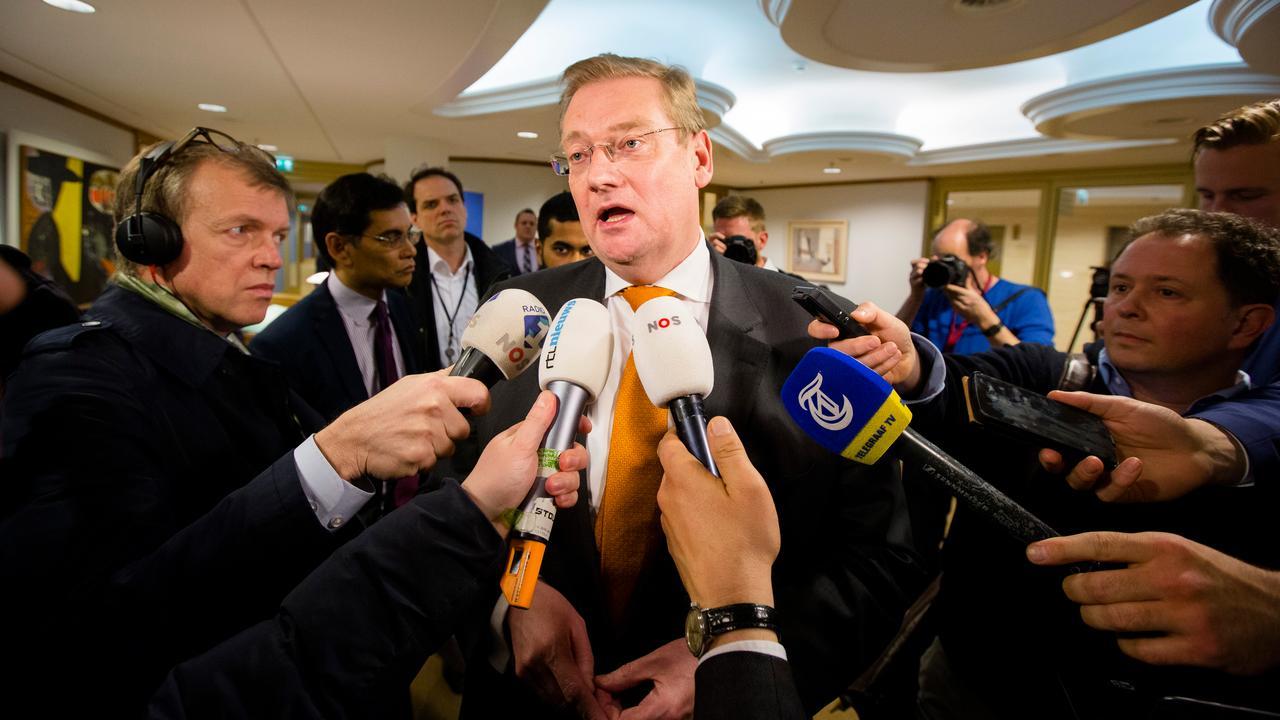 Van der Steur overleeft motie van wantrouwen na Brussel-debat