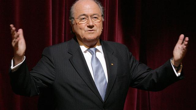 Zwitserse krant legt Sepp Blatter vast als columnist