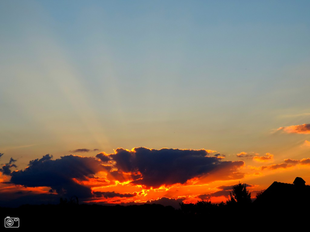 Wolken schuiven voor de zon boven mechelen foto 642521 de laatste nieuwsfoto 39 s zie - Doek voor de zon ...