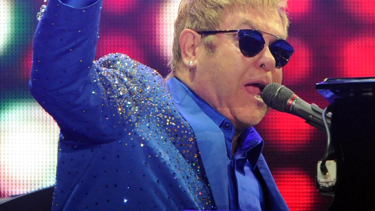 Fragment Eagles of Death Metal-cover van Elton John