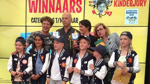 Jochem Myjer wint Kinderjury Prijs voor De Gorgels
