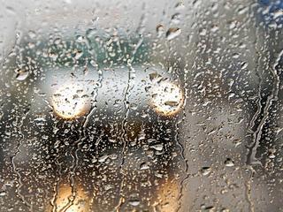 Problemen met verkeer en ondergelopen kelders