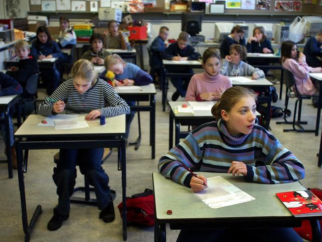Basisschoolkinderen krijgen denkboek over Tweede Wereldoorlog