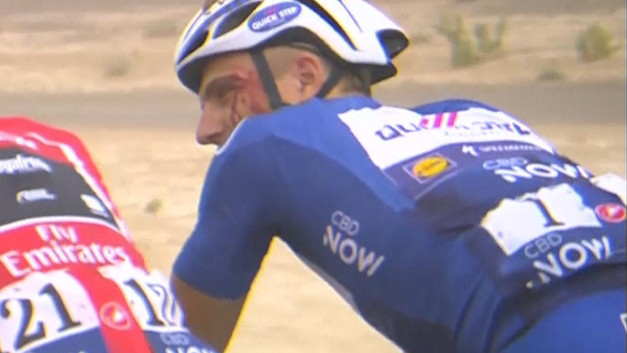 Kittel fietst met bloedende hoofdwond na elleboogstoot Grivko