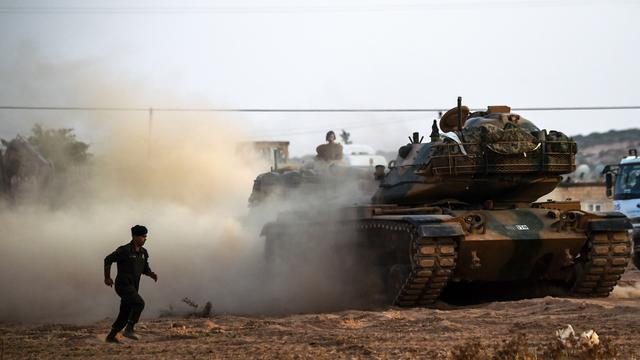 Turkije meldt hevig verzet van IS bij grens