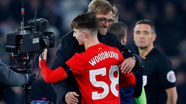 Klopp wil Liverpool-sensatie Woodburn (17) beschermen tegen pers