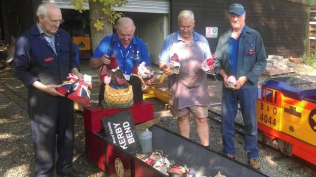 Tientallen kabouters vernield in Brits familiepark