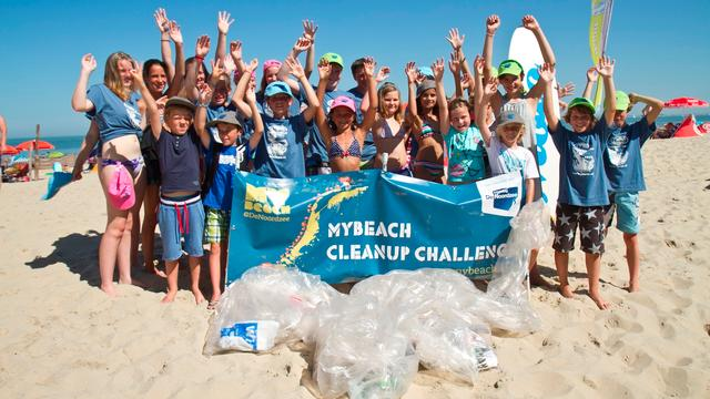 Twintig ton afval tijdens Beach Cleanup Tour