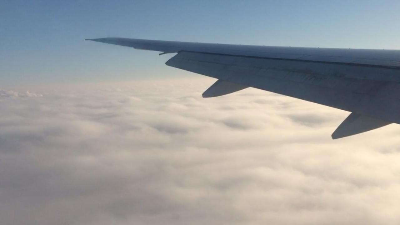 Vliegtuig landt in dichte mist op Schiphol