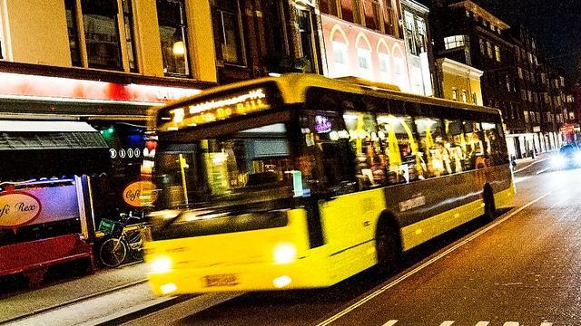 Vanaf 3 september pinnen in nachtbussen voor veiligheid buschauffeurs