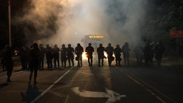 Agenten gewond bij massaprotest na schietincident in VS