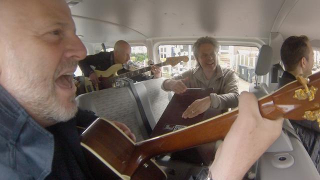 Achterbankconcert: Bløf laat nieuwe muziek horen