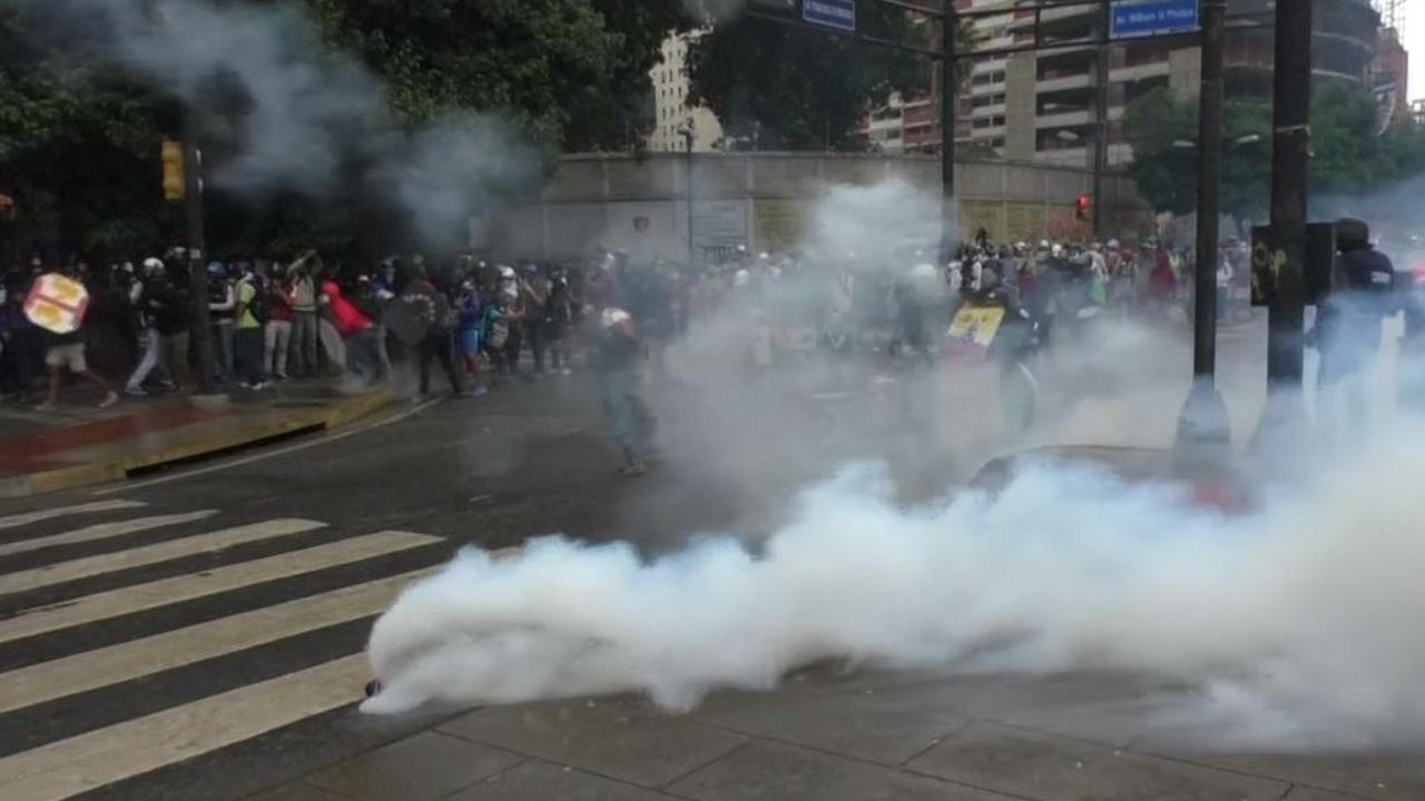 Politie in conflict met demonstranten Venezuela, tiener komt om