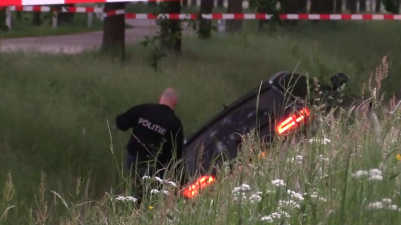 Verdachte voortvluchtig na politieachtervolging op A18