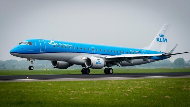 Vakbond VNC schort acties cabinepersoneel KLM op