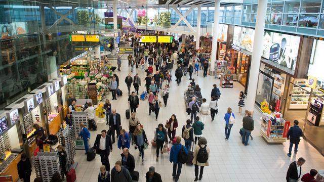 Taxfree winkeliers Schiphol onder de loep genomen