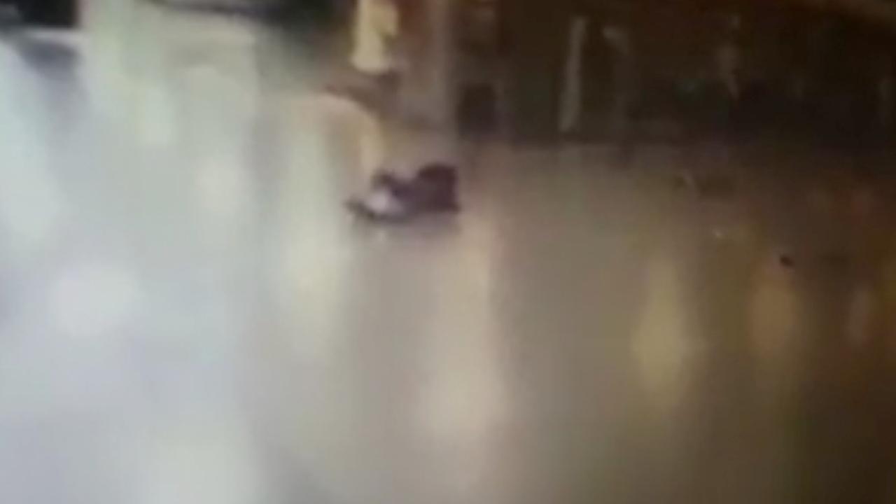 Terrorist vliegveld Istanbul eerst neergeschoten, blaast zich dan op