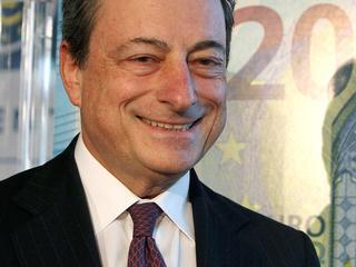 Banken moeten nog meer betalen om geld te stallen bij centrale bank
