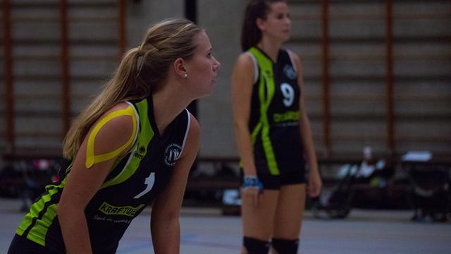 René van Dielen traint volleybalvrouwen Symmachia Kraftwell