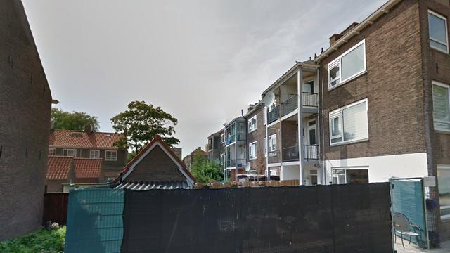 Balkons flatwoningen Willem de Zwijgerlaan op instorten