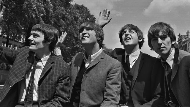 Haren van The Beatles voor 10.000 euro geveild