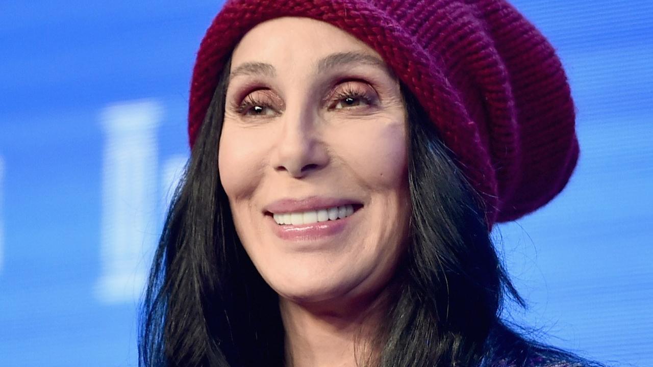 Cher zingt hilarisch duet met James Corden