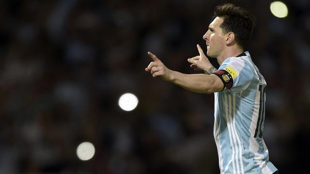 Gelijkspel Brazilië in WK-kwalificatie, vijftigste interlandgoal Messi