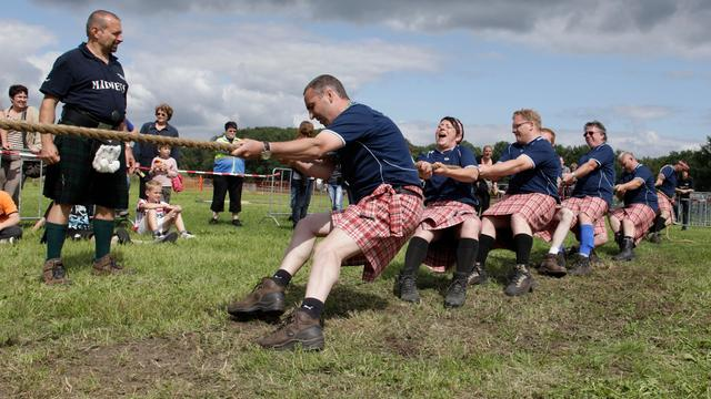 Eerste Highland Games by the Sea in Baarland