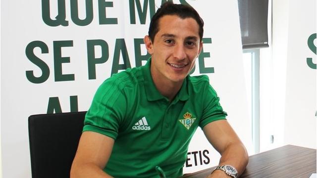 Real Betis neemt Guardado definitief over van PSV