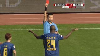 Yaya Touré krijgt al na 10 seconden rood in mogelijk laatste wedstrijd