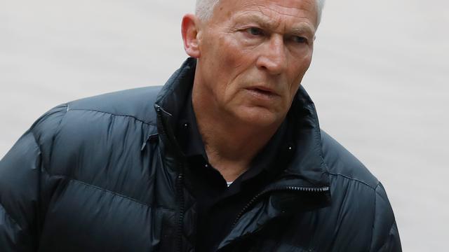 150 uur taakstraf voor ex-scheidsrechter Dick Jol