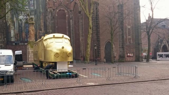 Piepschuimen trein op het Domplein