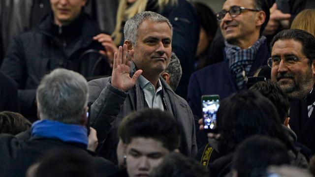 Mourinho kondigt aan dat hij in juli weer aan de slag gaat