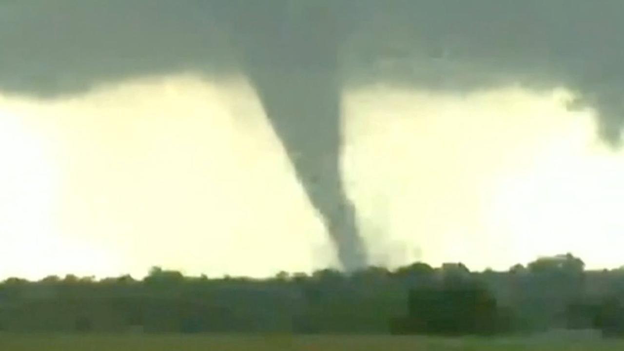 Tornado's richten schade aan in Oklahoma