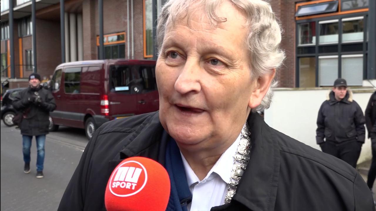 Van der Laan bang om over mogelijk succes Ajax te praten: 'Ik ben veel te chauvinistisch'